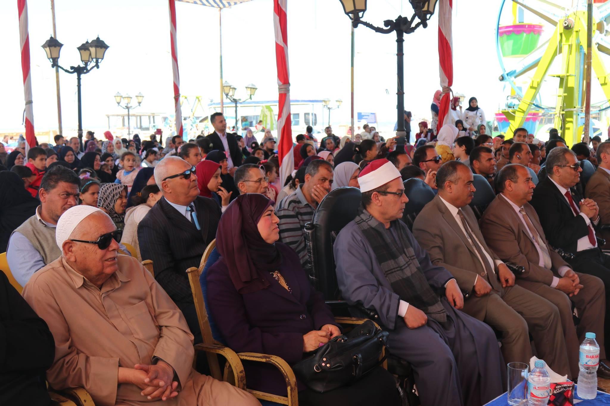 7- الحضصور اثناء التكريم بحضور المحافظ
