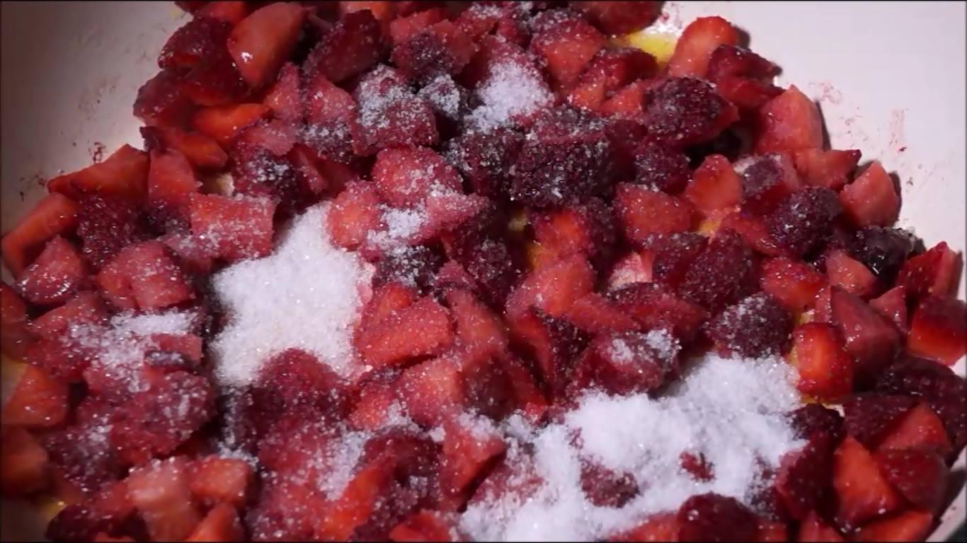 فراولة قبل الطهى