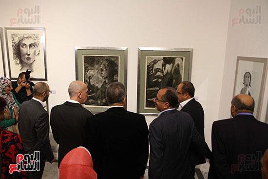 خالد سرورو يفتتح صالون القاهرة بقصر الفنون بالأوبرا (13)