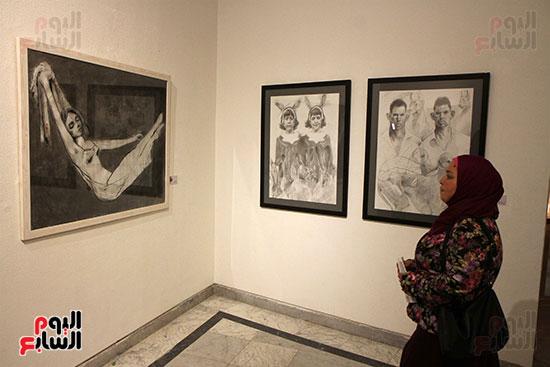 خالد سرورو يفتتح صالون القاهرة بقصر الفنون بالأوبرا (15)