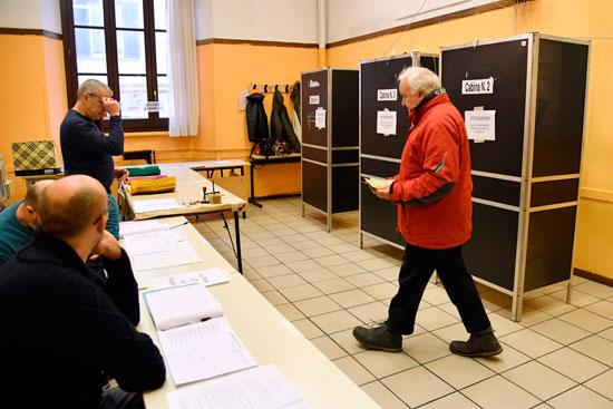 توافد الناخبين على الانتخابات التشريعية الإيطالية