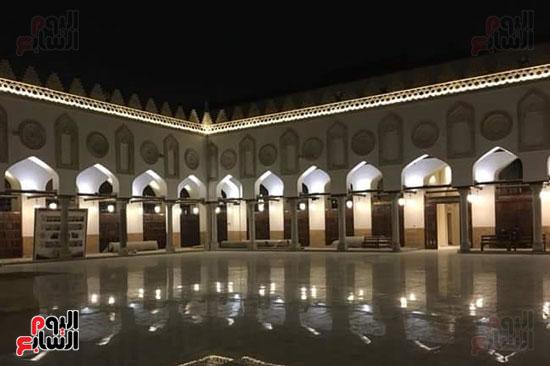 صحن الجامع الازهر ليلا