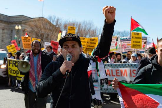 جانب من هتافات المتظاهرين