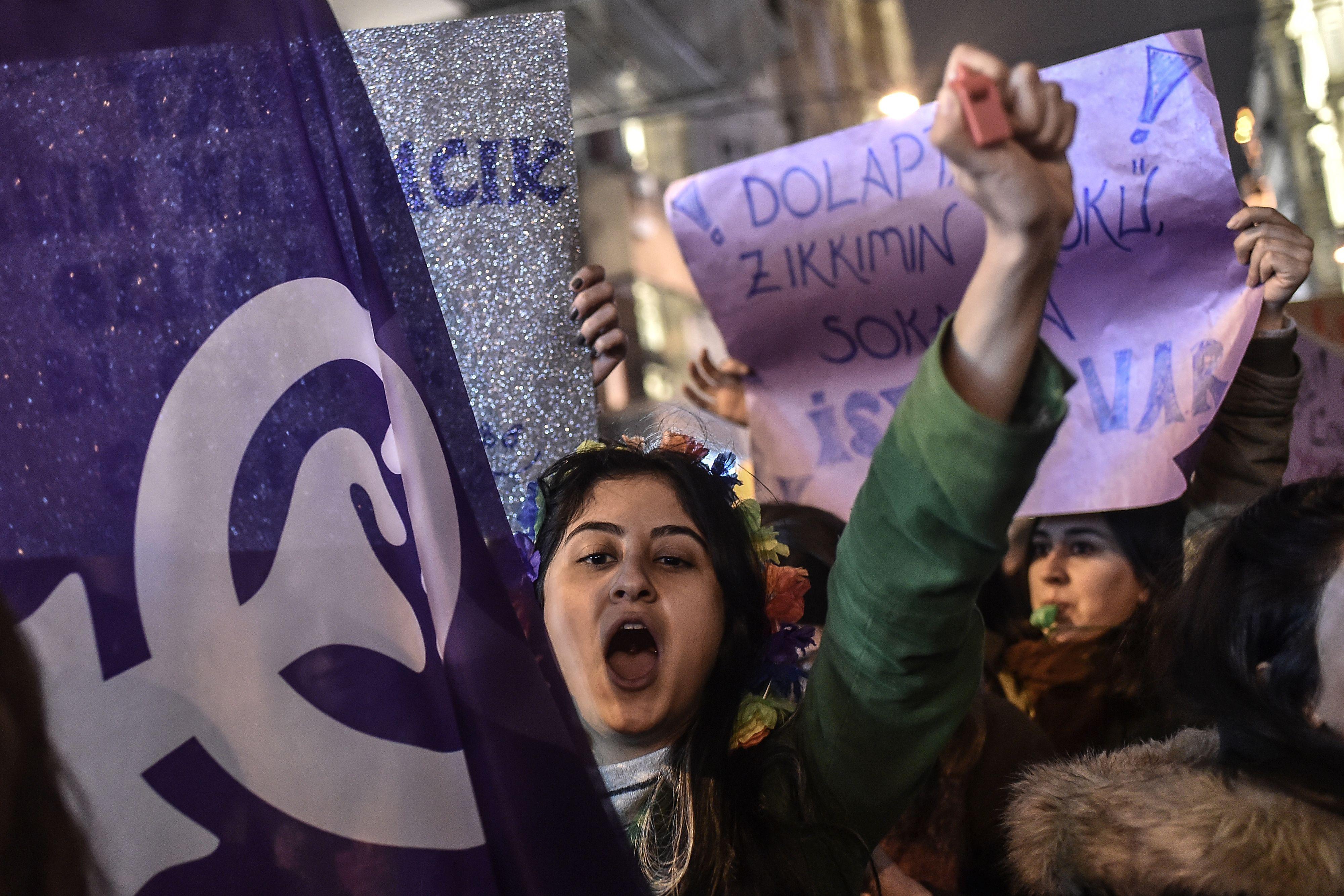 جانب من سيدات إسطنبول