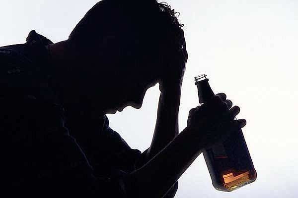 الادمان من اضرار الاكتئاب
