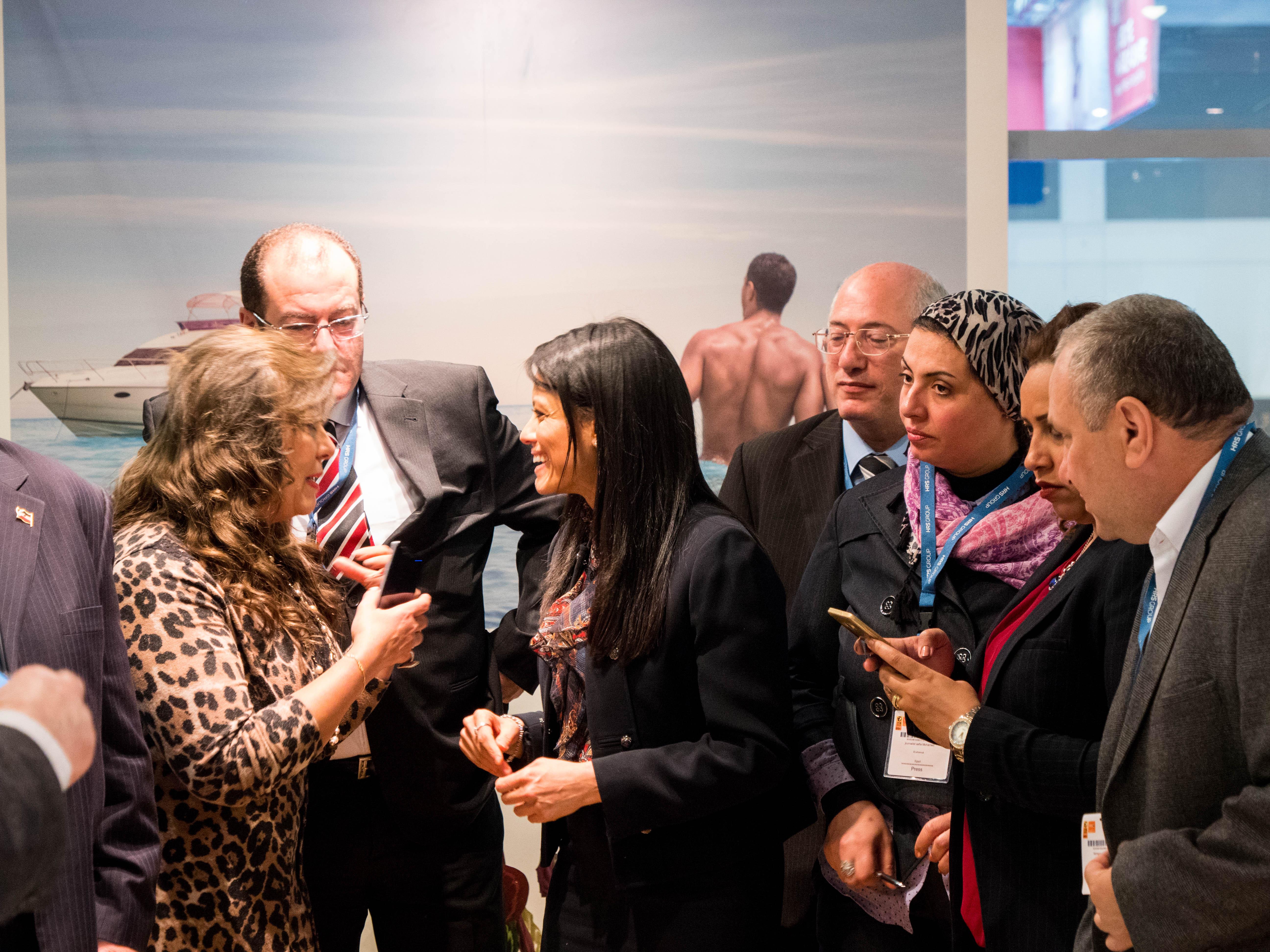 وزيرة السياحة تلتقى المشاركين بالجناح المصرى ببورصة برلين