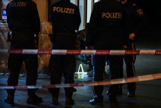 الشرطة فى الموقع الحادث بفيينا