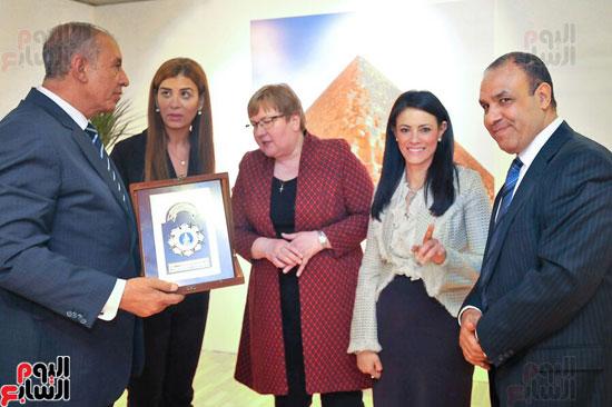 مصر تروج لمعالمها السياحية ببورصة برلين (4)