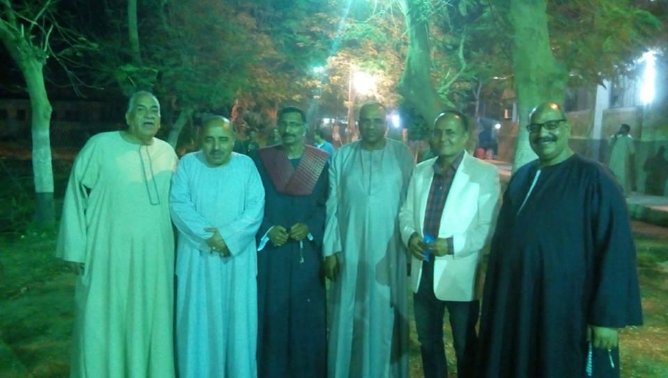 مؤتمر جماهيري للنائب عبد الرازق الزنط بإسنا لدعم الرئيس السيسي بحضور أسر الشهداء (2)
