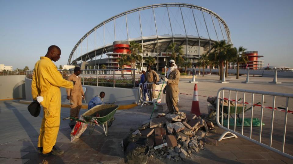 عمال كأس العالم فى قطر