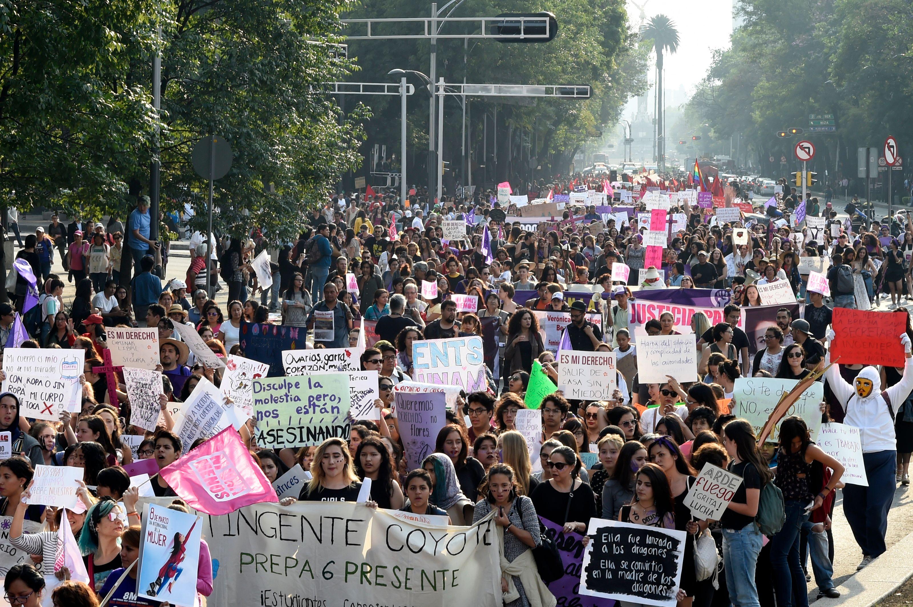 جانب من مظاهرات النساء فى المكسيك
