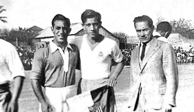 مختار التتش ولاعب يهودى رومانى كان قائد منتخب فلسطين