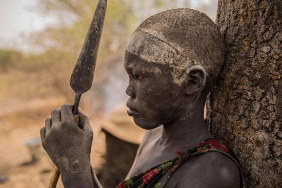 طفل-يرعى-الماشية-فى-جنوب-السودان