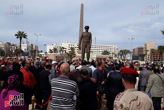 تمثال عبدالمنعم رياض يعود لبورسعيد (8)