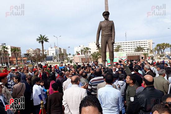 تمثال عبدالمنعم رياض يعود لبورسعيد (5)