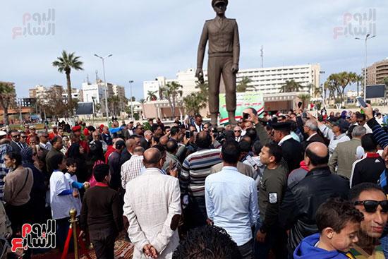 تمثال عبدالمنعم رياض يعود لبورسعيد (2)