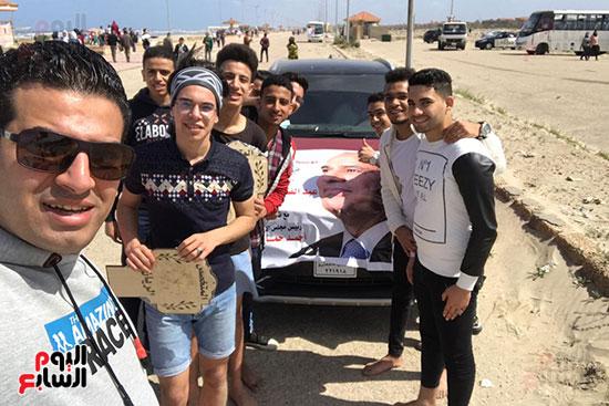 شباب يدعمون الرئيس بمسيرات فى الدقهلية