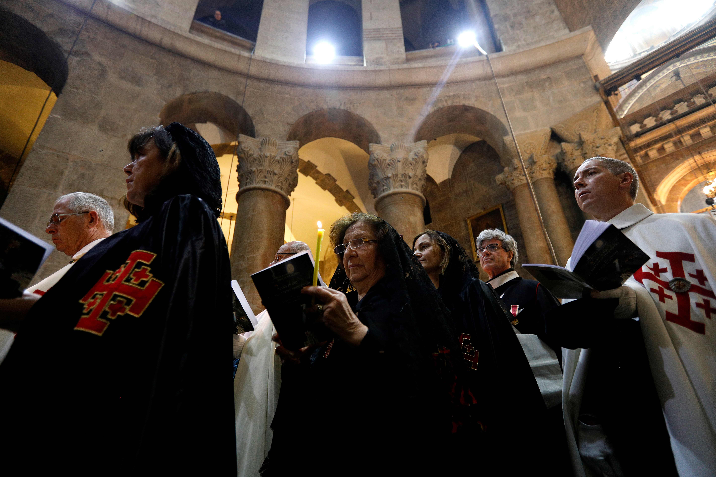 تراتيل صلوات عيد الفصح فى كنيسة القيامة