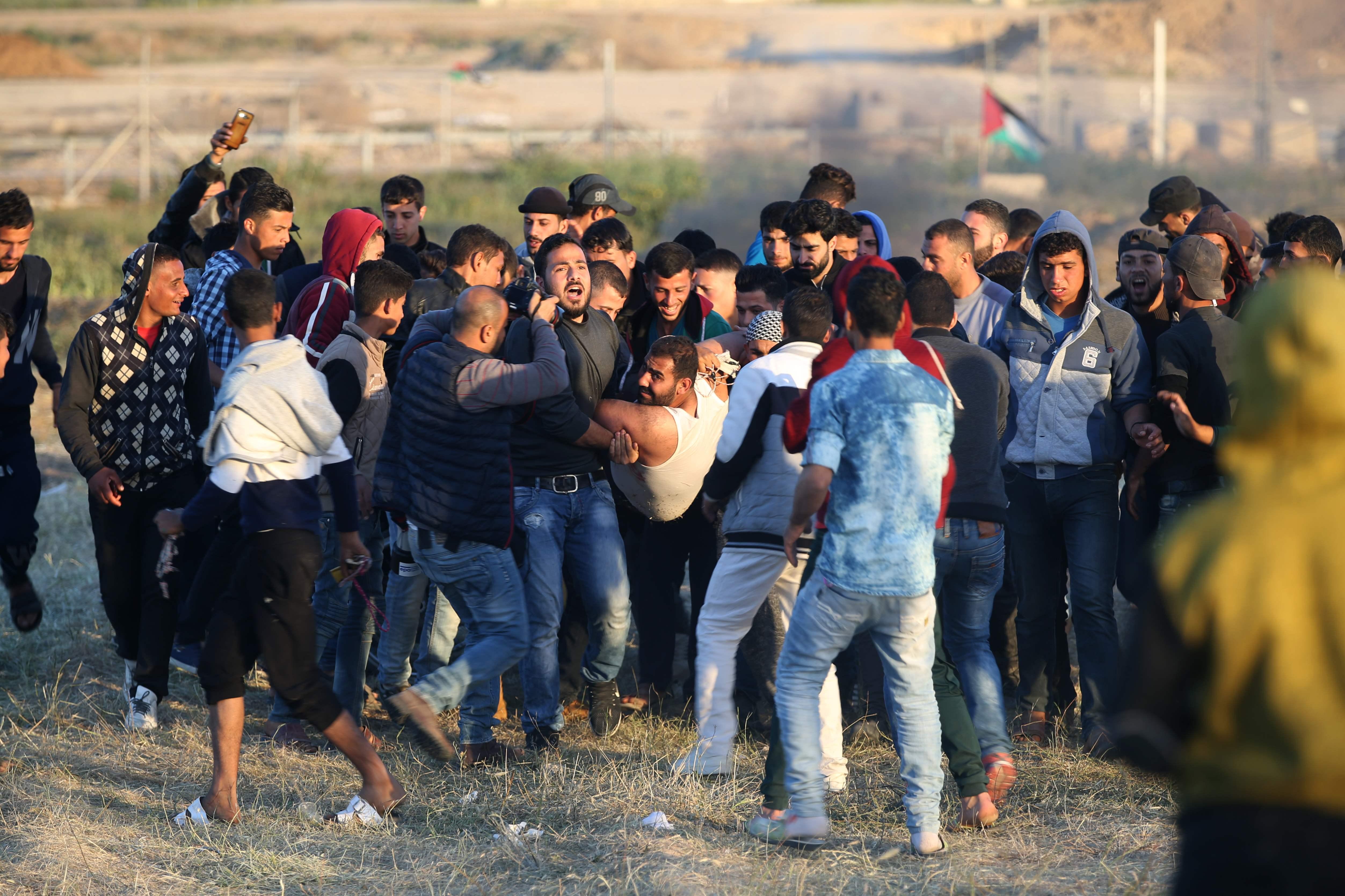 إصابات فى صفوف المتظاهرين بغزة