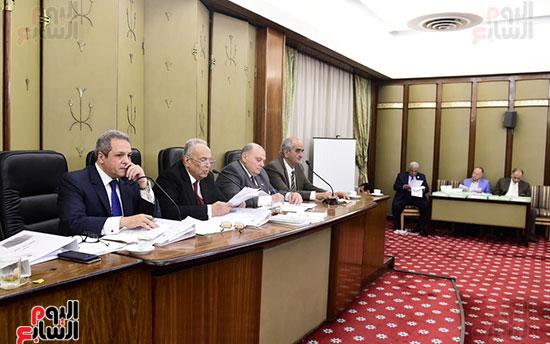 صور لجنة الشئون التشريعية والدستورية (1)