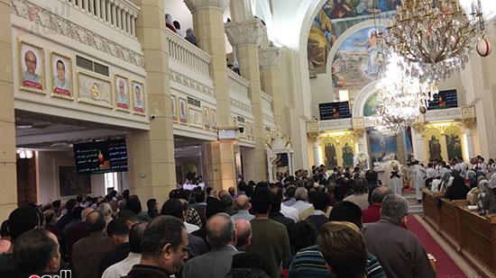 حضور كبير فى الكنيسة