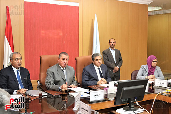 محافظ كفر الشيخ ووزير البيئة يبحثان تطبيق المنظومة الجديدة لإدارة المخلفات الصلبة