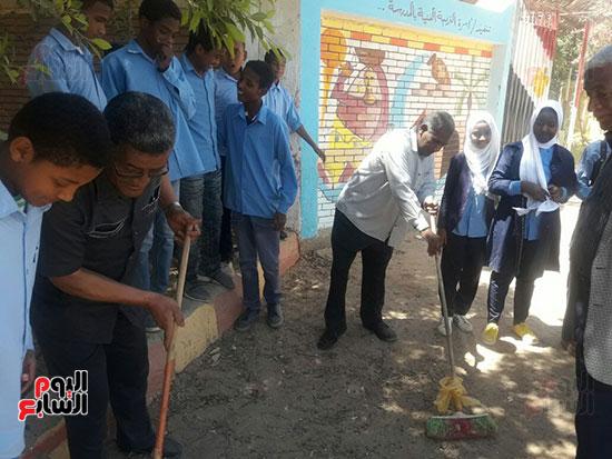 مدرسة-أبو-سمبل-الإبتدائية-بنصر-النوبة-(2)