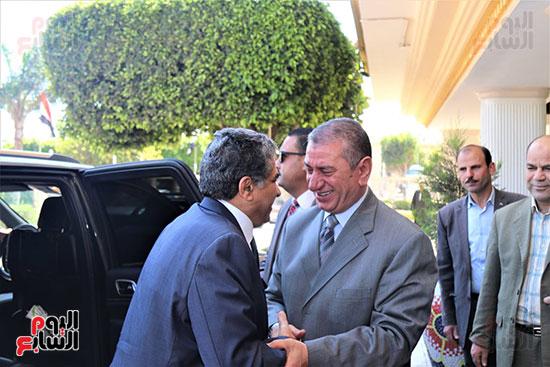 1--محافظ-كفر-الشيخ-يستقبل-وزير-البيئة-