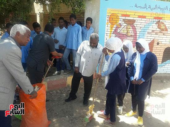 مدرسة-أبو-سمبل-الإبتدائية-بنصر-النوبة-(8)