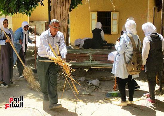 مدرسة-محمد-محسن-شعيب-الفنية-بنات-بمدينة-أسوان-(3)