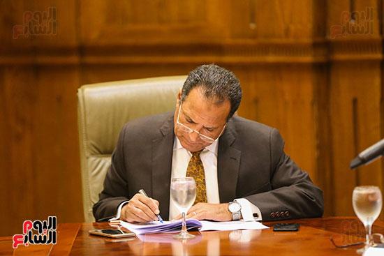 لجنة الإدارة المحلية (4)