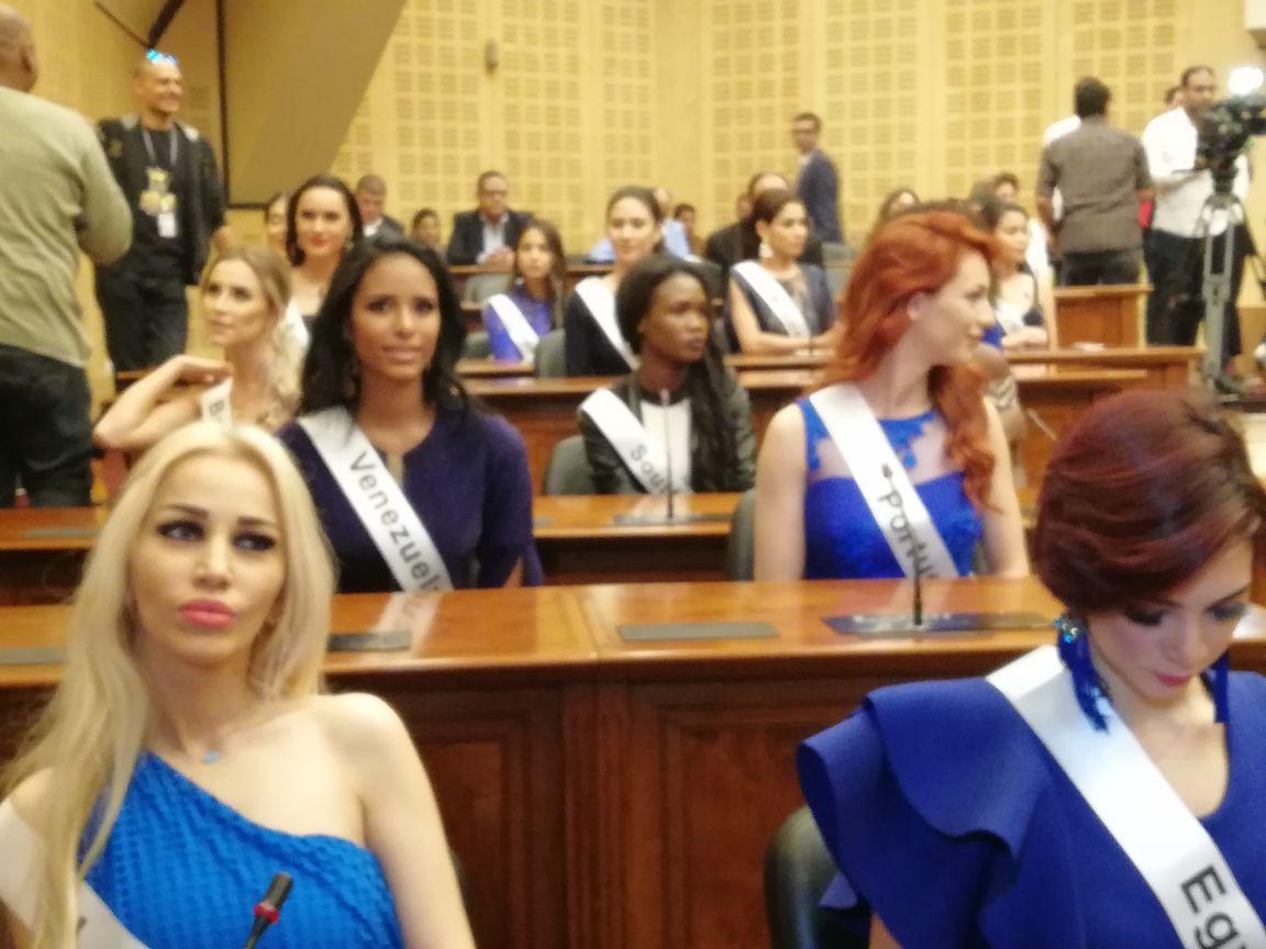 ملكات الجمال لتنشيط السياحة