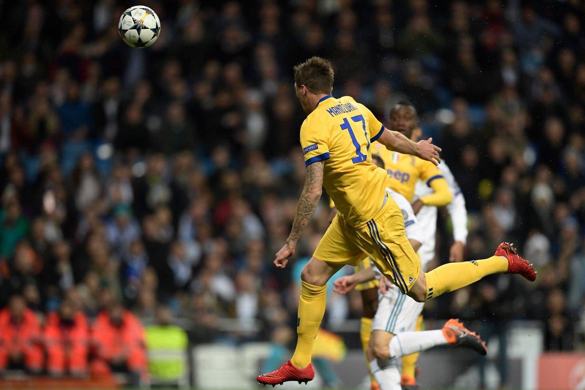 لحظة تسجيل ماندزوكيتش الهدف الأول فى ريال مدريد