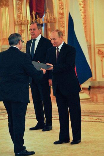 بوتين والسفير المصرى (4)