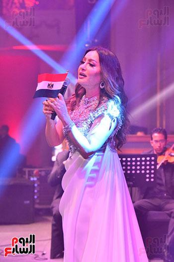 صور لطيفة حفل صندوق تحيا مصر  (35)