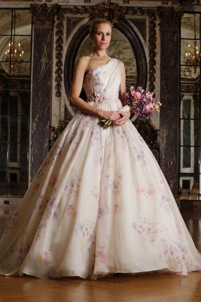 فساتين زفاف وردية