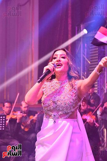 صور لطيفة حفل صندوق تحيا مصر  (49)