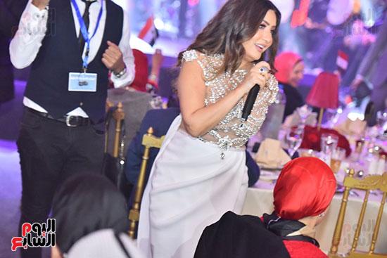 صور لطيفة حفل صندوق تحيا مصر  (45)