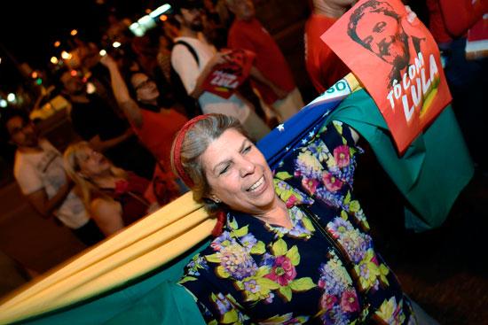 لافتات التأييد للرئيس البرازيلى السابق لولا دا سيلفا