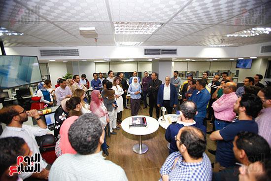 صور اخباري نيوز تحتفل بحصد الزميلتين أسماء شلبى وإيمان حنا جوائز صحفية (5)