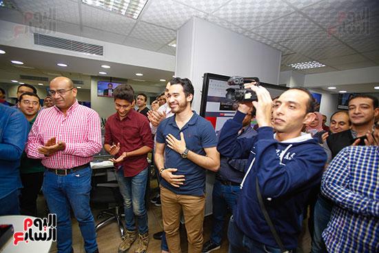 صور اخباري نيوز تحتفل بحصد الزميلتين أسماء شلبى وإيمان حنا جوائز صحفية (11)