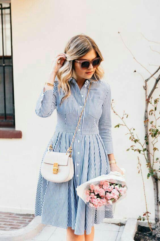 فستان مخطط ازرق