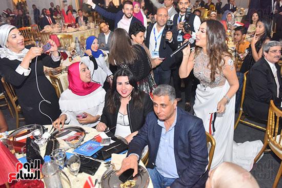 صور لطيفة حفل صندوق تحيا مصر  (41)