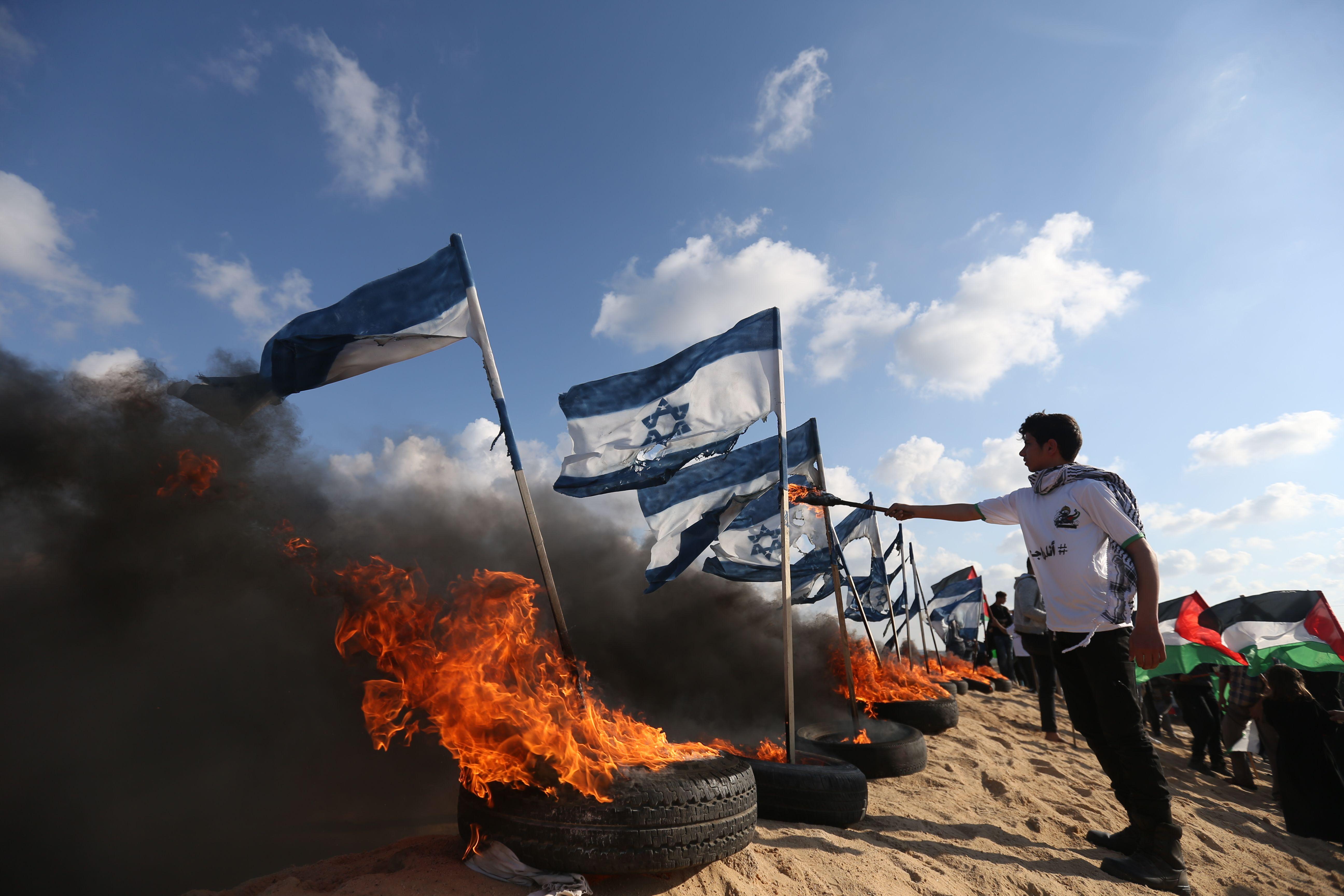 حرق العلم الإسرائيلى (2)