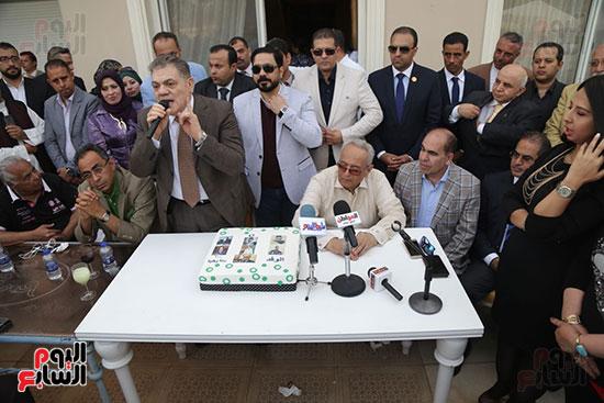 احتفالية حزب الوفد بفوز ابو شقة  (15)