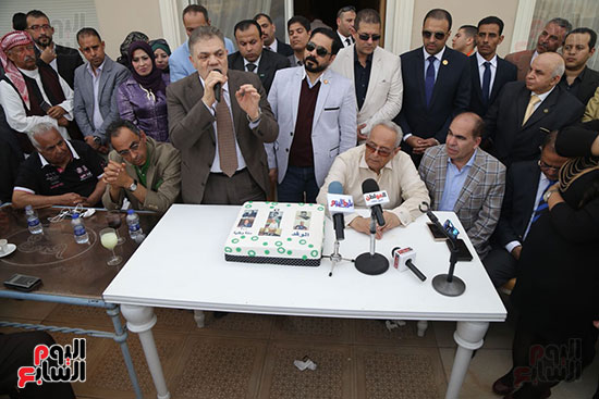 احتفالية حزب الوفد بفوز ابو شقة (18)