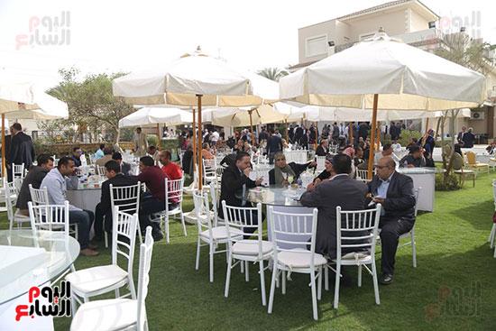 احتفالية حزب الوفد بفوز ابو شقة (12)