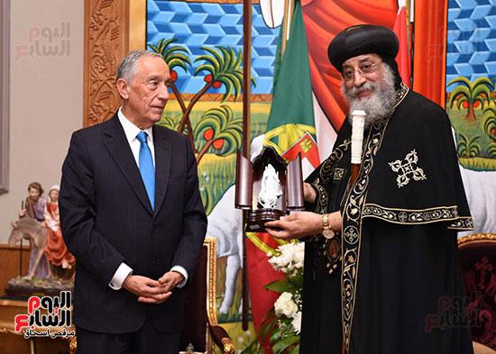 صور البابا تواضروس يستقبل مارسيلو دى سوزا رئيس البرتغال (18)