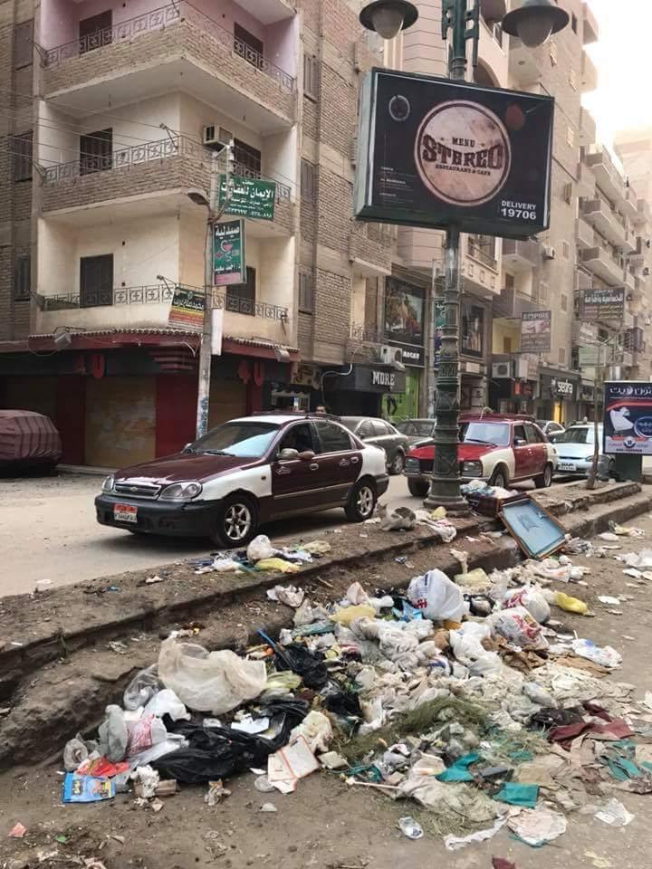 انتشار القمامة بشارع طلبة عويضة (4)