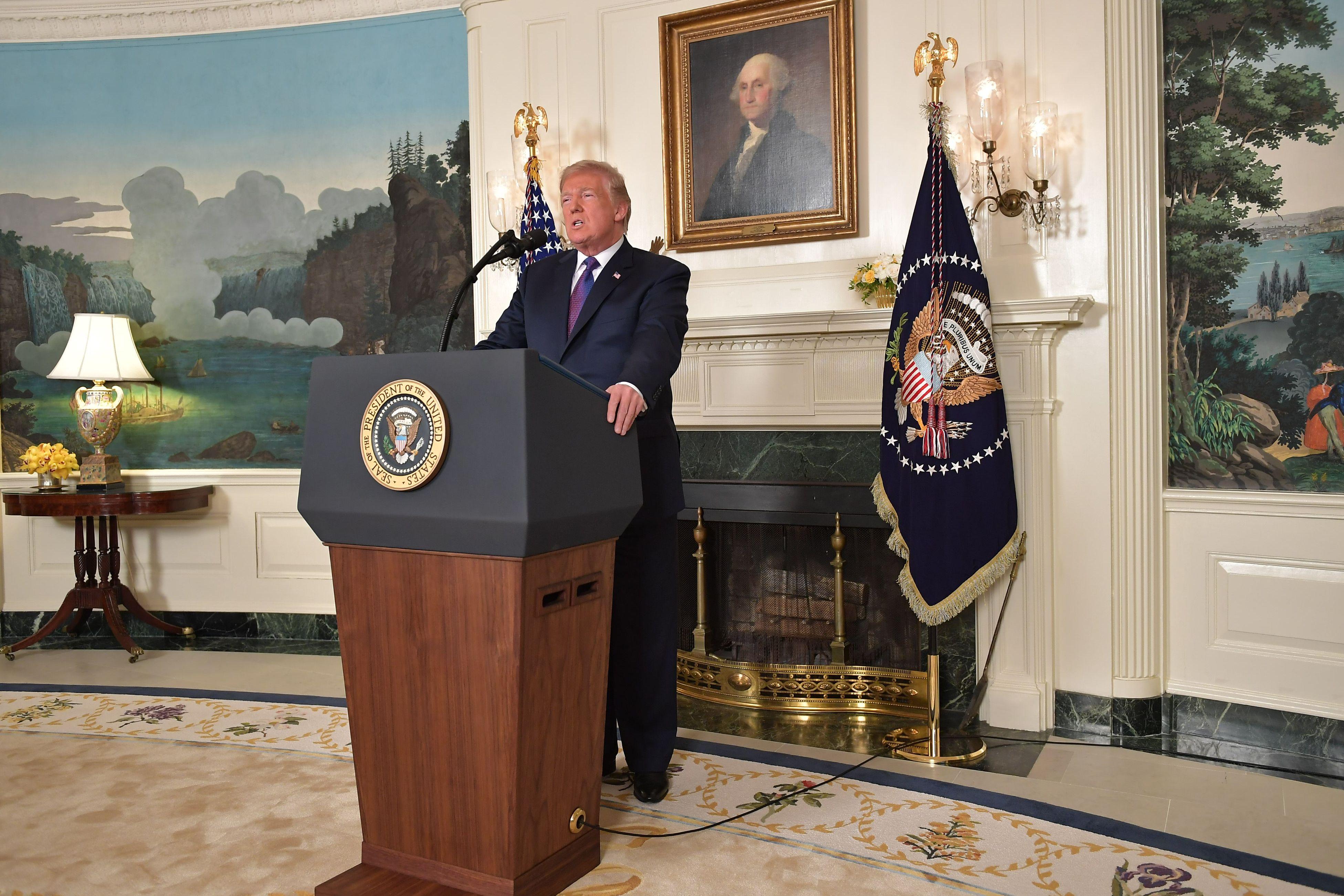ترامب خلال المؤتمر الصحفى